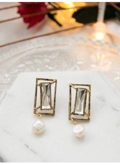 181-1032- 復古・氣質 -  長方形古銅色框邊 X 水滴 X 淡水珍珠 , 純銀針耳環 (韓國)