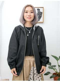 1913-1012-個人・型格- 袖口 , 下擺橡根 X 兩側袋 , 袋內 , 帽內拼色 X 扯布料 , 有帽拉鏈外套 (韓國)