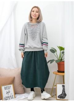 1911-1582 -Casual・Lace-胸位 ' V ' PATTERN通花LACE ,網布 X 手袖拼色絲絨帶 , 薄衛衣料TOP (韓國)