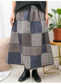 1915-1050- 暖暖・格仔 - 兩側袋 X 橡根腰 , 格仔PATTERN絨絨料 , A-LINE形半截裙 (韓國)