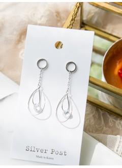 191-1009- 推介款 - 優美大細水滴 ,  水晶 墜擺, 純銀針耳環(韓國)