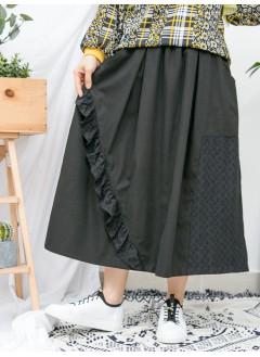 1916-1045 - 強烈推介 -前幅下擺通花棉LACE X RUFFLE邊 , 兩側袋 X 橡根腰 , 扯布料半截裙 (韓國)