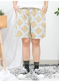 1916-1140a- 夏日・幾何圖 -  兩側袋 X 後腰橡根 X 前腰打摺 , 格仔PATTERN麻棉料短褲 (韓國)0