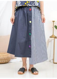 1916-1203a- special . style - 不規則下擺 X 釘彩色鈕 , 後腰橡根 X 前腰打摺 , 直紋 X 淨色恤衫料 , 半截裙 (韓國)