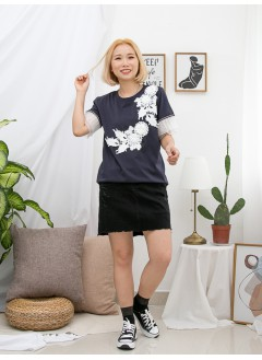 1911-1474 - lovely・lace -袖口百摺網布 X DOUBLE LAYER X 織帶 , 胸位立體花花LACE X 雙面料TOP (韓國)