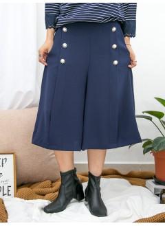 1915-1007a-珍珠・飄逸- 兩側袋 x 前幅兩行釘金邊珍珠鈕 , 後腰橡根 X 前腰打摺 , 滑滑料闊褲 (韓國)-