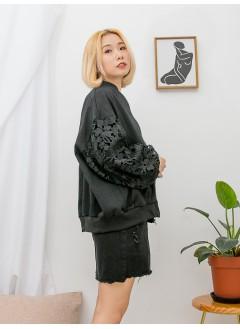 1913-1009-通花・lace- 領位 , 手袖 ,下擺羅紋料 X 花花PATTERN通花LACE手袖 , 前兩袋 X 拉鏈 , 衛衣料外套 (韓國)