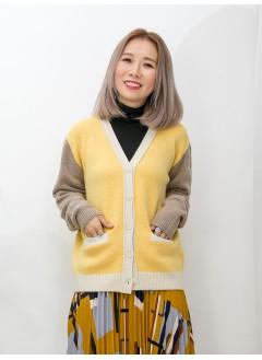 2013-1001-靚色・配搭- 前兩袋 X 全開胸扣鈕 , V領 X 拼色冷料外套 (韓國)0