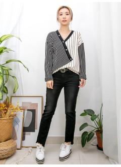 2011-1590 - 個性・型格 -斜釘鈕 X 拼色直紋 ,高質滑身細羊毛料TOP (韓國) 0