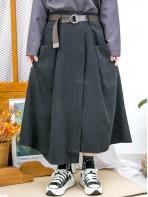 2015-1180-百搭・單品- 不規則下擺 X 前兩袋 , 後腰橡根 X 前腰打摺 , 滑滑扯布雙面料半截裙 (連腰帶) (韓國)