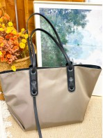 2018-1049A- 簡約・氣質 - 尼龍料SHOULDER BAG (連大化妝袋) (韓國)