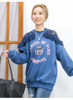 2011-1637-氣質・衛衣- 領邊 , 膊位通花LACE X 英文字PRINT , 抓毛衛衣料TOP (韓國) 0