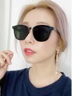 2019-1011 型格 黑色 太陽眼鏡 (附眼鏡盒)