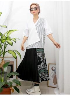 2011-1150 -獨特・美-前幅釘鈕 X 直紋恤衫料 X 坑紋 X 淨色雙面料, 假兩件TOP (韓國)-