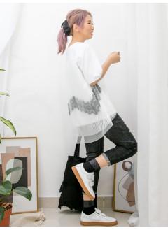 2011-1151A- 低調・唯美 -後幅DOUBLE LAYER網布 X 直紋網布 , 通花LACE , 淨色COTTON料TOP (韓國)