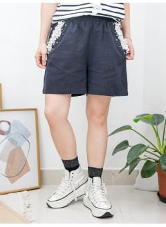 2015-1097-蕾絲・珍珠- 兩側袋 X 袋邊釘珍珠 , 銀波波 , 後袋位LACE X 橡根腰 , 麻棉料短褲 (韓國)