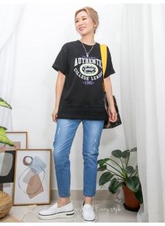 2011-1350-美式・型格- 下擺通花刺繡恤衫料 X 英文字PRINT , COTTON料TOP (韓國)