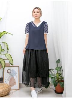 2011-1453 袖口束蝴蝶結 X 釘珍珠 , 手袖 , 反領位直紋恤衫料 X 拼色滑滑料TOP (韓國)