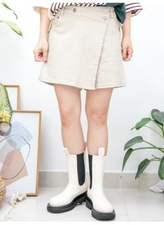 2015-1155A- 靚・版型 - 兩側袋 X 前腰斜扣鈕 X 後腰橡根 , 扯布料裙褲 (韓國)