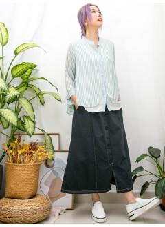 2011-1467A - 獨特美 -全開胸扣珍珠鈕 X 直紋 拼 淨色雪紡料 , 假兩件TOP (韓國)