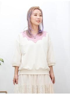 2011-1490A - 甜美・蕾絲 -領位通花LACE X 手袖DOUBLE LAYER網布 , 薄衛衣料TOP (韓國)