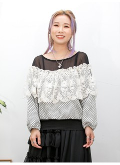 2011-1486- sexy・black - 胸位通花LACE網布 X RUFFLE , 前幅膊位雪紡 X 後幅COTTON料 , 袖口橡根 X 點點雙面料TOP (韓國)