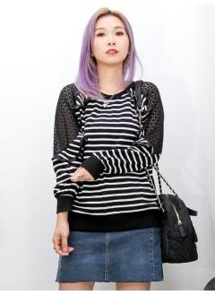 2011-1515 - 顯瘦款 -膊位菱格LACE X 織帶邊RUFFLE , 領位 , 袖口 , 下擺羅紋料 X 橫間薄衛衣料TOP (韓國) -