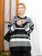 2011-1767 - 黑白・型格 -拼色橫間 X 斜間冷料TOP (韓國)0