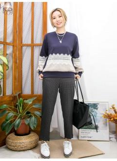2011-1759-蕾絲・格仔- 手袖 , 前幅下擺格仔絨絨料 X 通花LACE , 淨色雙面料TOP (韓國)