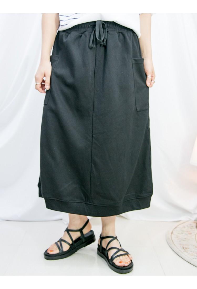 2115-1208-時尚・運動風- 兩側袋 X 後幅下擺開叉 , 橡根腰束繩 X 薄衛衣料半截裙 (韓國)  0